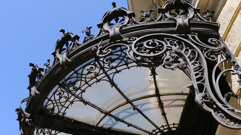 Pensiline per porte d'ingresso Milano