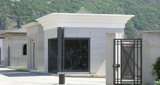 Porte in vetro o in ferro per cappelle cimiteriali